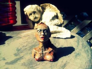 freeartfriday freeart thestreetisourgallery FAF project proyecto little sculptures women heads cabeza mujeres city ciudad freeart foundart