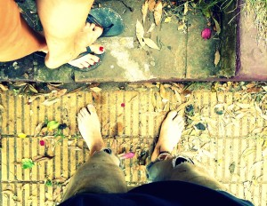couple feet foot pies man woman artists vidadeartistos artistas street calle
