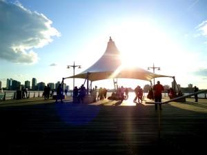 tango hudsonriver hudson newyork newyorkcity city ciudad sunny soleado
